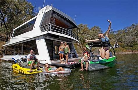 living on a boat price house prices too high living on a houseboat