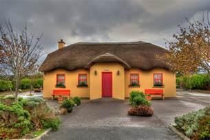 shamrock cottages ireland cottage by triviahouse pixdaus