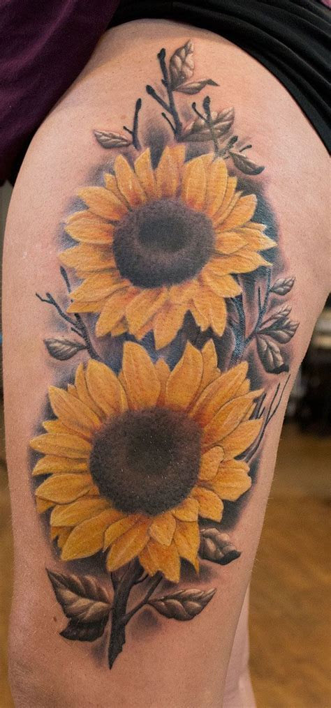 traditional sunflower tattoo 25 best ideas about sunflower thigh on