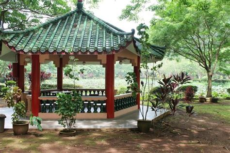 Sun Lok Garden by There Are Rest Areas Away From The Sun In The Zen Graden