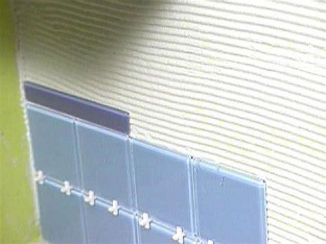 Glass Tile Installation Installing A Glass Tile Backsplash In A Kitchen How Tos Diy