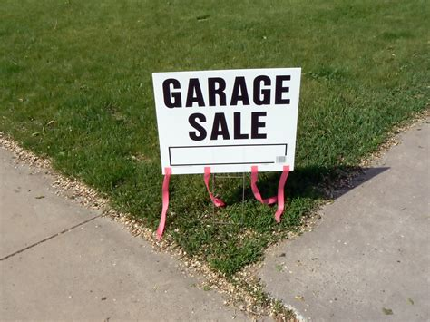 College Garage Sale by Putting The Quot Sale Quot In Garage Sale