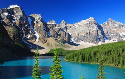 the canadian rockies a photographic tour books explore the great canadian rockies by rail