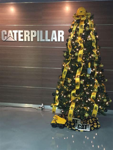 construction themed christmas tree  caterpillar nlr christmas tree themes