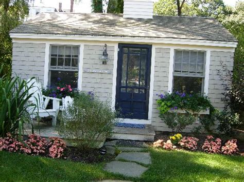 Cabot Cove Cottages Kennebunkport Maine by The Adirondack Chairs Picture Of The Cottages At