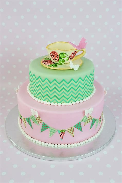 how to decorate a cake with edible icing sheets cakejournal com