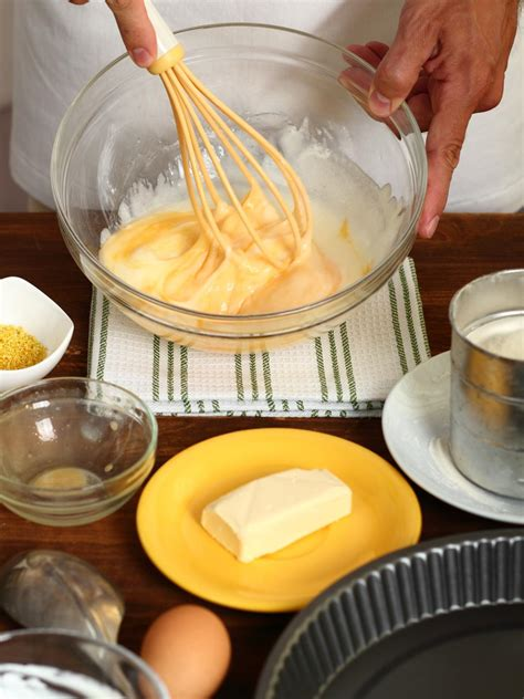 how to make cakes dunno how to make a moist cake here s the help you need