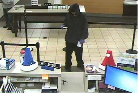Forum Credit Union Employees durham search for bank robbery suspect chapelboro