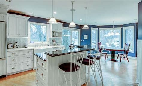 white kitchen cabinets blue walls blue walls and white kitchen cabinets white and blue