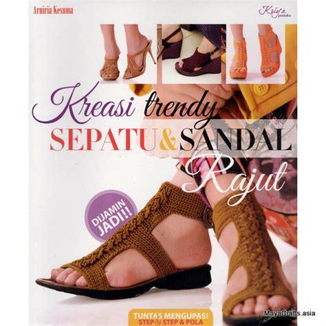 Pola Tas Rajut Behel buku kreasi trendy sepatu sandal rajut crafts