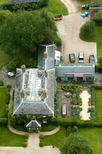 buckleberry manor royalty kate middleton s family home in bucklebury