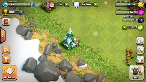 this was the closest i got to a christmas tree in coc i