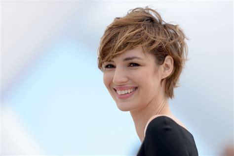 what is a good hair cut for a woman runner 5 fantastic short haircuts that aren t bobs on rita ora