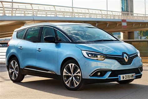 renault grand scenic dci  intens manual    hp  doors technical specifications