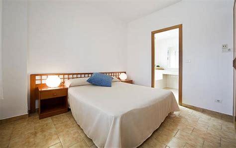 apartamentos en benicasim apartamentos en benicasim con piscina 150 m playa