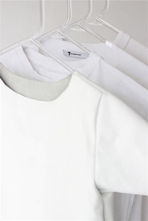 Wardrobe Clothes Fashion Ivania Carpio Who Only Wears White Daily