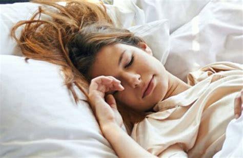 col cuscino la mattina vi svegliate col cuscino bagnato spiegato il