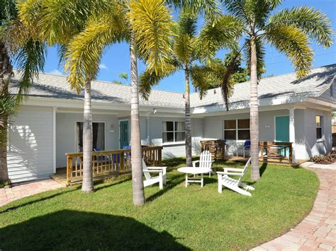 vrbo siesta key 1 bedroom 2br 1ba all new elderberry cottage on vrbo
