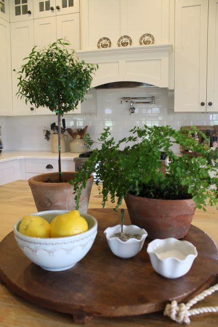 kitchen island decoration 1000 ideas about kitchen island centerpiece on