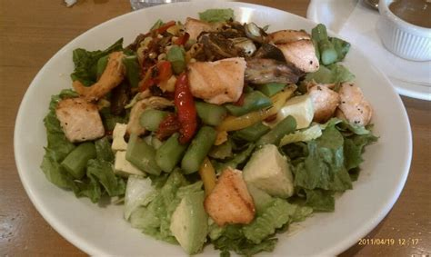 california pizza kitchen grapevine roasted vegetable salad with grilled salmon yelp