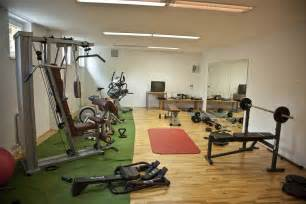 Home Exercise Room Decorating Ideas Decorate A Home Exercise Room Room Decorating Ideas Home Decorating Ideas