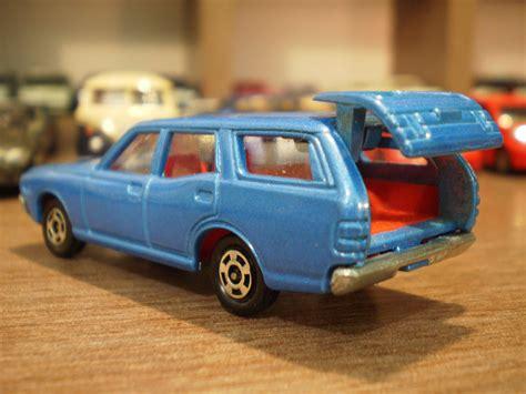 tomica nissan 1 64 die cast toy cars tomica nissan gloria van