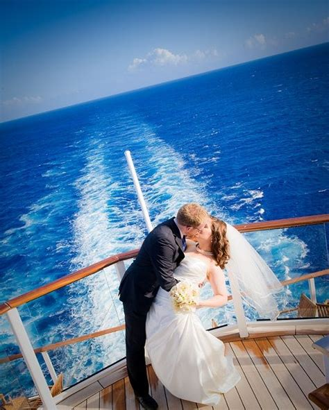 Wedding On A Cruise by 25 Best Ideas About Carnival Cruise Wedding On