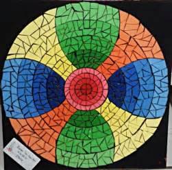 Photo Mozaik Bentuk estetika bentuk 2 titik garis dan mozaik bunga