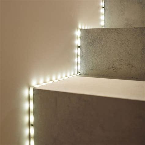 pose tete de lit les 25 meilleures id 233 es concernant ruban led sur bande led ruban de led et lavabo