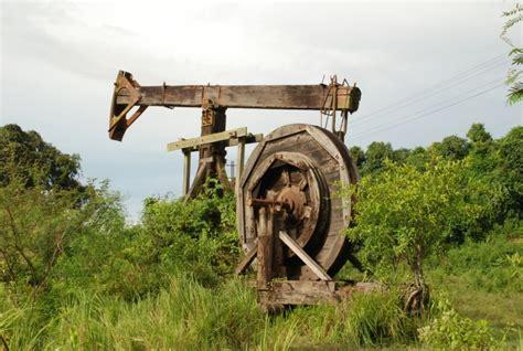 Minyak Dayak minyak dayak terkenal mujarab mengobati berbagai macam