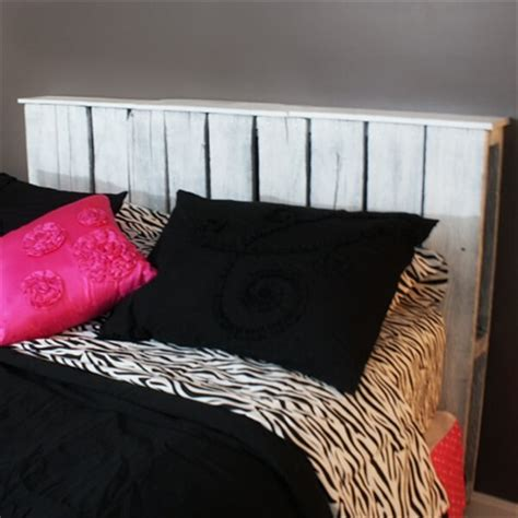 ideas for making a headboard 27 diy pallet headboard ideas 101 pallets