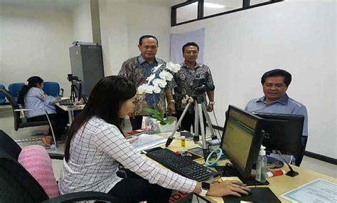 membuat paspor di hari sabtu diminati layanan paspor simpatik di imigrasi denpasar