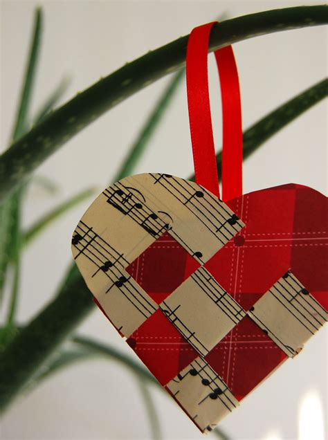 How To Make Woven Paper Hearts - just add more sprinkles ornament 3
