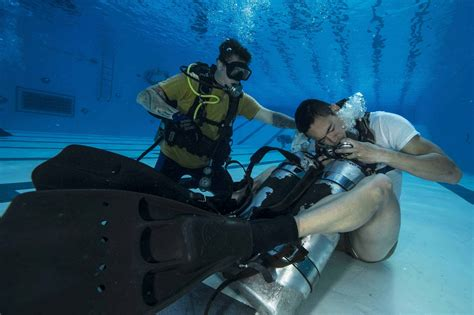 dive school army dive school quietly changes i can t breathe unit