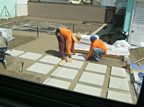 How To Lay A Patio On Concrete by How To Install 24 Quot Concrete Pavers Lynda Makara