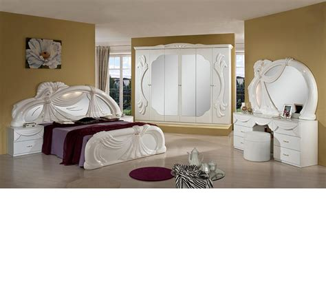 Italian White Bedroom Furniture by Dreamfurniture White Italian Classic Bedroom