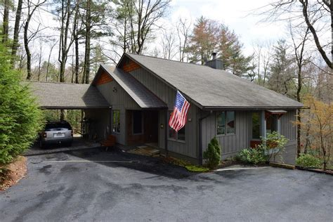 Cashiers Cabins by Vacation Rentals In Sapphire Valley Nc