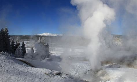 earthquake yellowstone earthquakes in yellowstone elevated but not unusual