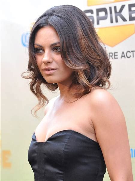 mila kunis rocks a faux bob at bad moms premiere today com