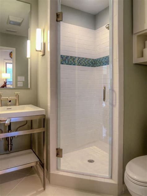 small bathroom shower stall ideas 25 best ideas about small shower stalls on bathroom stall small bathroom showers