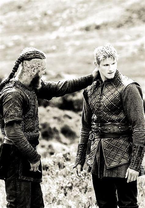 bjorn lothbrok viking season 2 bjorn lothbrok pinterest 167 best ragnar lothbrok images on pinterest vikings
