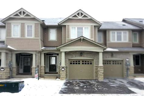 three bedroom townhomes caledon 3 bedroom townhouse for sale in strawberry fields