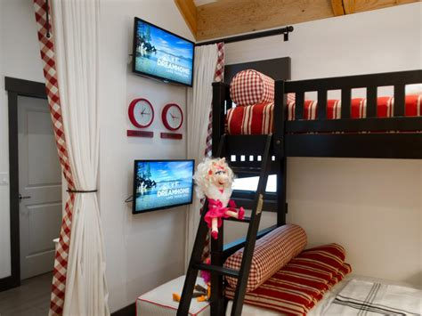 Bunk Bed Tv Mount Hgtv Home 2014 Bedroom Pictures And From Hgtv Home 2014 Hgtv
