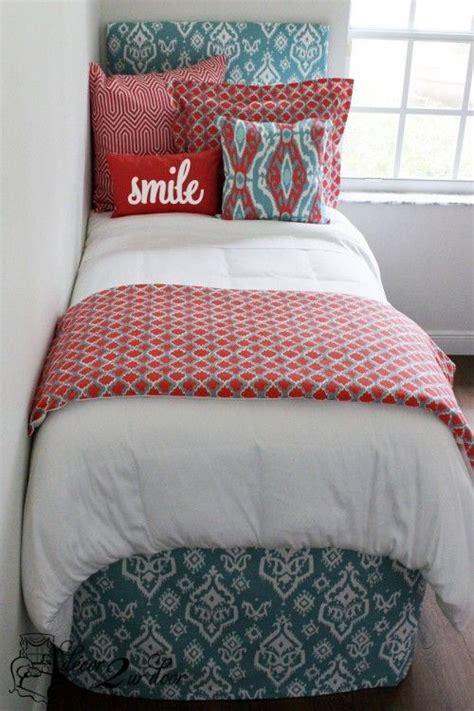 dorm bedding for girls best 25 girl dorm rooms ideas on pinterest girl dorm