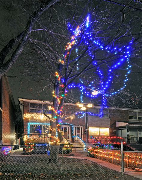wacky toronto christmas lights roundup 2011