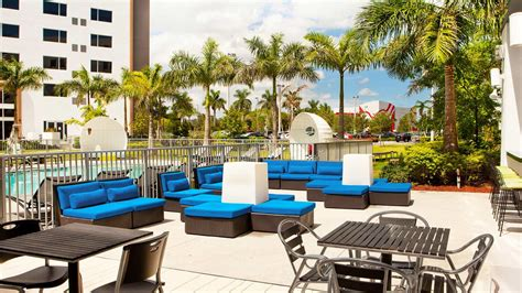 miami hotels near hotel near miami international mall aloft miami doral