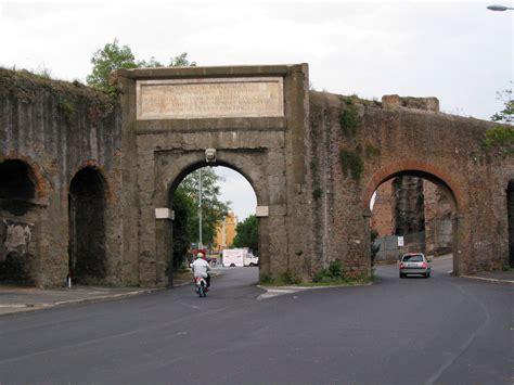 porta furba quadraro file roma porta furba gs img 3057c jpg wikimedia commons