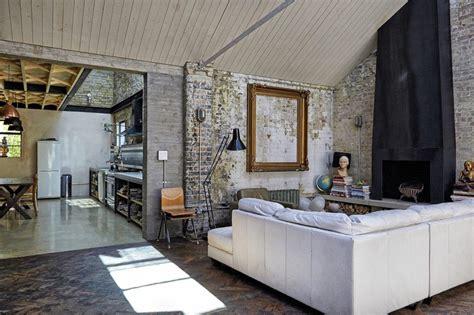 Ex Magazzino Diventato Casa by Un Loft Dallo Stile Rustico A Londra Mansarda It
