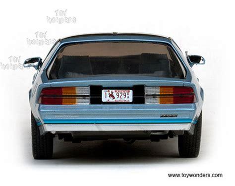 Diecast 1982 Chevrolet Camaro Light Blue 1 18 Diecast Model Car By Su 1982 chevy camaro z28 t top 1929bu 1 18 scale sun usa wholesale diecast model car
