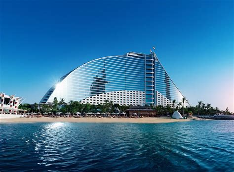 emirates hotel dubai featured image